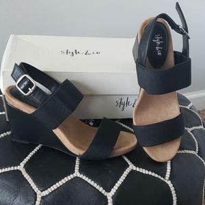 NWB Style & Co Fillipip Sandals sz 7
